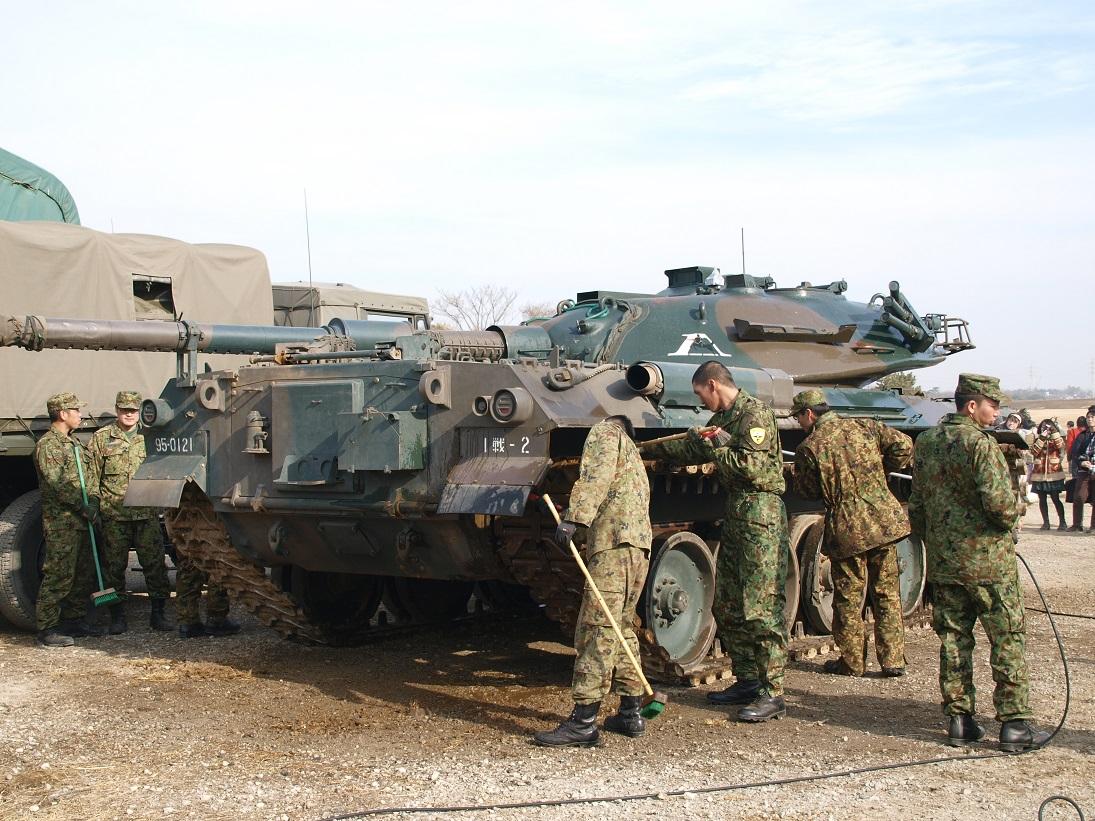 74式戦車 74tk 改 g型 陸上自衛隊装備品 陸自調査団
